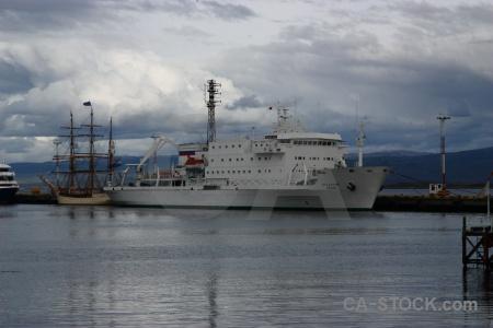 Sky port akademik ioffe boat ship.