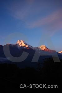 Sky snowcap himalayan tadapani modi khola valley.