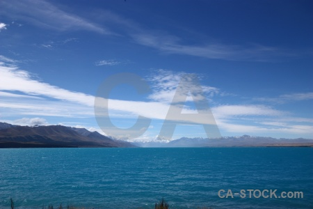 Sky snowcap lake pukaki water.