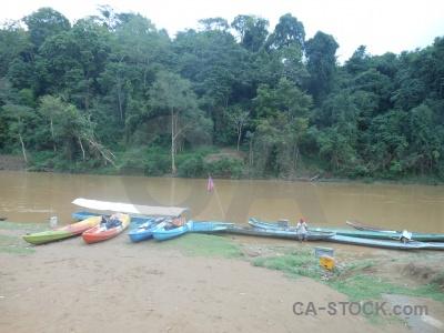 Sky southeast asia ban en nam khan boat.