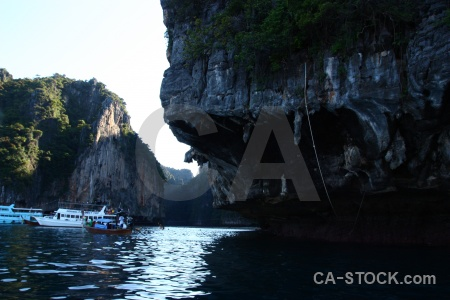 Sky water boat sea ko phi leh.