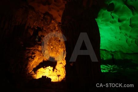 Southeast asia cave sung sot vietnam vinh ha long.