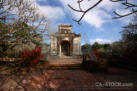 Southeast asia cloud tile nguyen emperor archway.