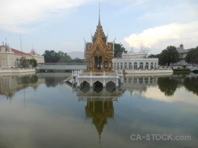 Southeast asia pillar sky pond aisawan dhiphya asana.