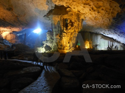 Southeast asia sung sot cave vinh ha long bay unesco.