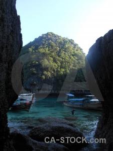 Southeast asia tropical loh samah rock ko phi leh.