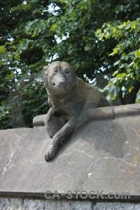 Statue animal green.