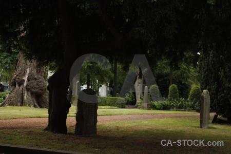 Statue black grave cemetery.