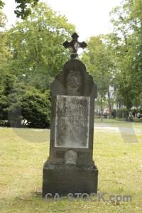 Statue white cemetery green grave.