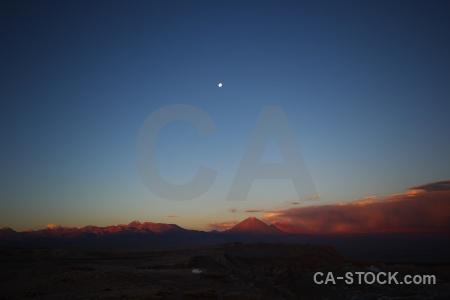 Stratovolcano desert juriques moon valle de la luna.