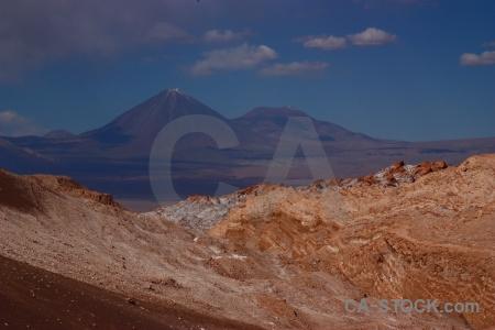 Stratovolcano juriques san pedro de atacama desert valle la luna.