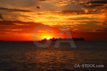 Sun sunrise colonia del sacramento rio la plata cloud.