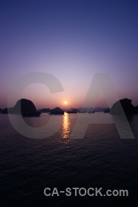 Sunrise vinh ha long sky bay sea.