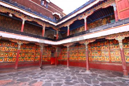 Tashilhunpo monastery altitude buddhism archway xigatse.