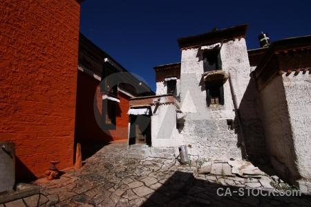 Tashilhunpo monastery gendun drup altitude east asia xigatse.
