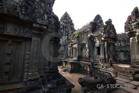 Temple carving stone banteay samre angkor.