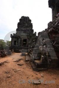 Temple column siem reap ta keo buddhist.