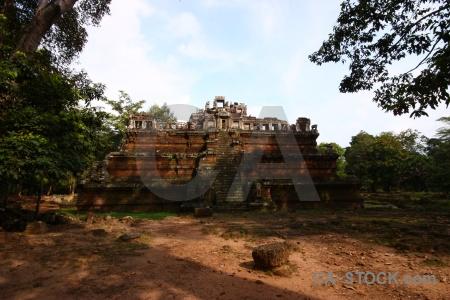 Temple phimeanakas block angkor thom sand.