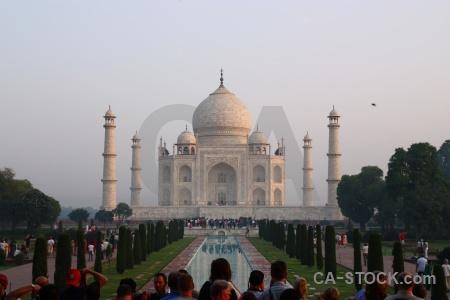 Tomb sky taj mahal shah jahan india.