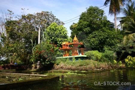 Ton khem damnoen saduak canal sky thailand.