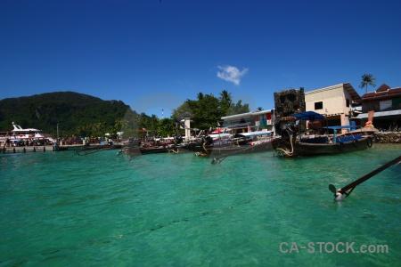 Tonsai bay ko phi don sky island boat.