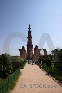 Tower path sky qutab minar railing.