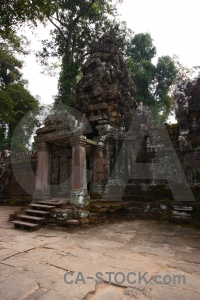 Unesco angkor preah khan fungus sky.