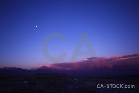 Valle de la luna sky juriques volcano san pedro atacama.