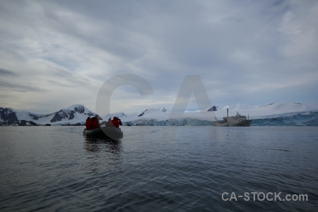 Vehicle day 5 cloud marguerite bay south pole.