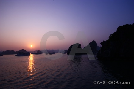 Vehicle ha long bay silhouette water southeast asia.