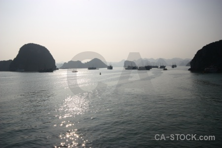 Vehicle ha long bay sky cliff vinh.