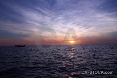 Vehicle sunset sun phi island cloud.