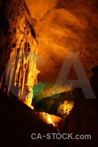 Vietnam amazing cave vinh ha long bay sung sot.
