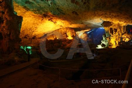 Vinh ha long bay asia stalactite stalagmite.
