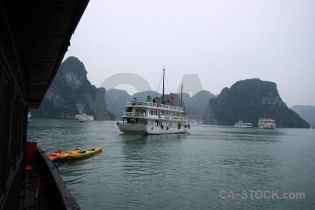 Vinh ha long limestone boat asia island.