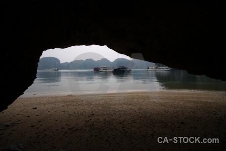 Vinh ha long sand cave southeast asia limestone.