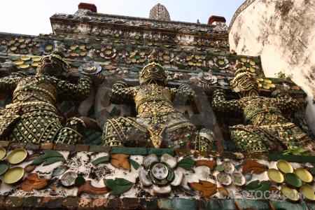 Wat arun buddhist southeast asia yaksha temple.
