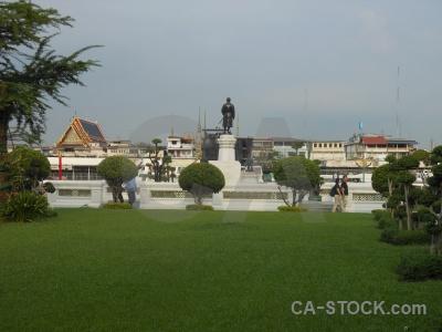 Wat arun buddhist statue thailand temple.
