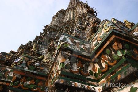 Wat arun sky yaksha buddhism thailand.