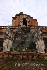 Wat chedi luang tooth watchediluang varaviharn buddhist southeast asia.