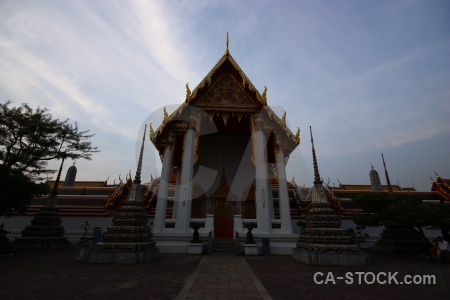 Wat pho temple phra chettuphon wimon mangkhlaram ratchaworama tree sky.