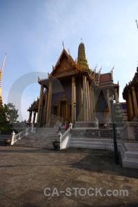 Wat phra si rattana satsadaram ornate southeast asia gold bangkok.