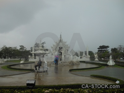 Wat rong khun white temple buddhist thailand ornate.