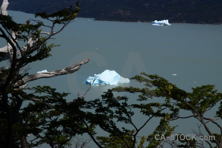 Water chile circuit trek iceberg rock.