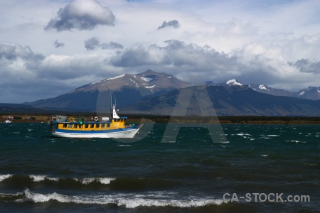 Water sky wave vehicle chile.