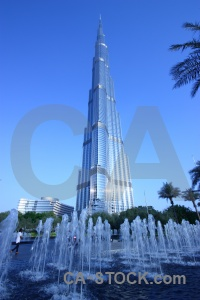 Western asia dubai palm tree sky fountain.
