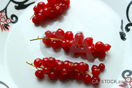 White fruit berry food red.