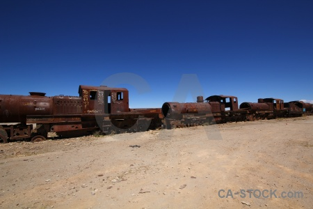 Wreck altitude vehicle rust south america.